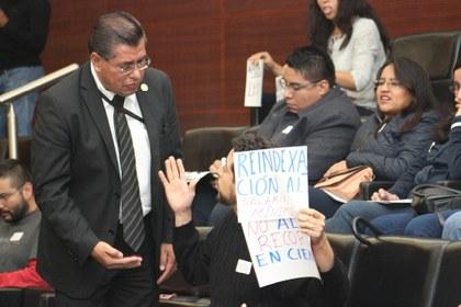 foto Primer conversatorio Senado.JPG