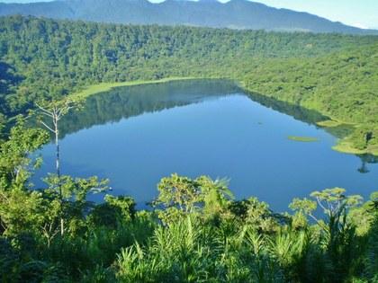 bosque-alegre-parque-nacional-costa-rica-laguna-hule.jpg